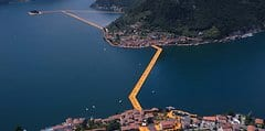 Floating Piers (1)